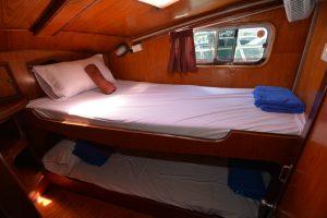 MQ_6_twin_bed_cabin